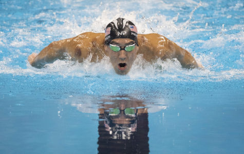 How Olympian Michael Phelps helped Illinois swimmer 'love the sport more'