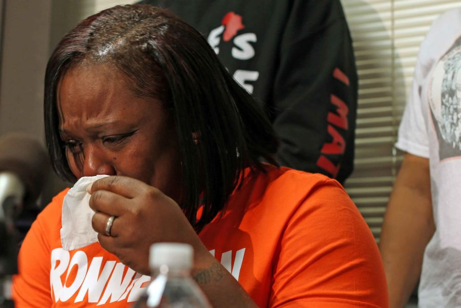 An emotional Dorothy Holmes, the mother of Ronald Johnson, speaks at a press conference on Tuesday, Dec. 1, 2015, demanding that the dash cam video of her son being shot in the back by Chicago police last year be released to the public. (Phil Velasquez/Chicago Tribune/TNS)