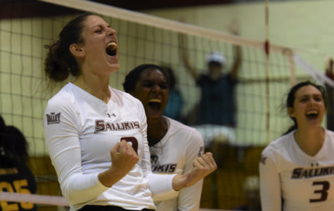 SIU volleyball bounces back with sweep of SEMO
