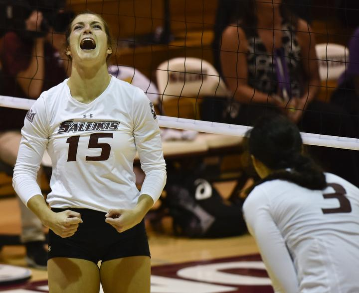 Junior+outside+hitter+Abby+Barrow+celebrates+following+a+kill+shot+during+the+Salukis%27+3-2+win+over+Northern+Iowa+on+Friday%2C+Sept.+23%2C+2016%2C+at+Davies+Gym.+%28Athena+Chrysanthou+%7C+%40Chrysant1Athena%29