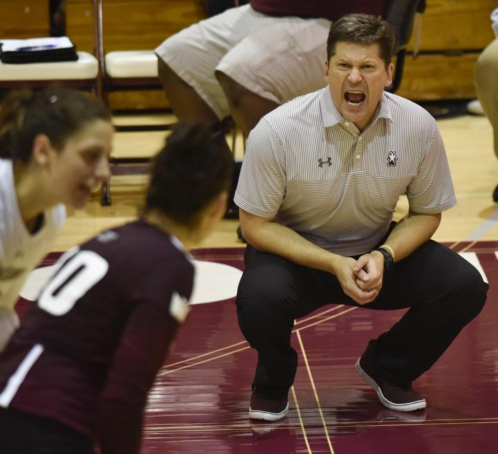 SIU+assistant+volleyball+coach+Todd+Nelson+reacts+to+a+play+during+the+Salukis%27+3-2+win+over+Northern+Iowa+on+Friday%2C+Sept.+23%2C+2016%2C+at+Davies+Gym.+%28Athena+Chrysanthou+%7C+%40Chrysant1Athena%29