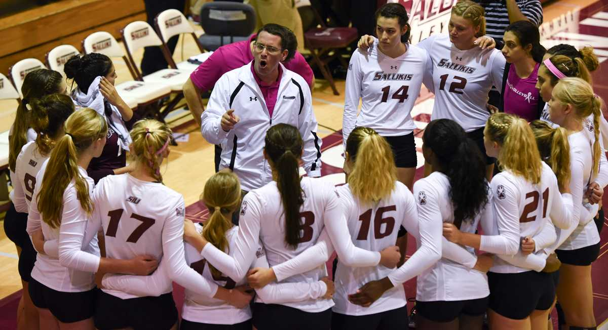 Head volleyball coach Justin Ingram addresses his team during a timeout at Loyola's 3-1 victory against the Salukis on Friday, Oct. 28, 2016, in Davies Gym. (Sean Carley | @SCarleyDE)