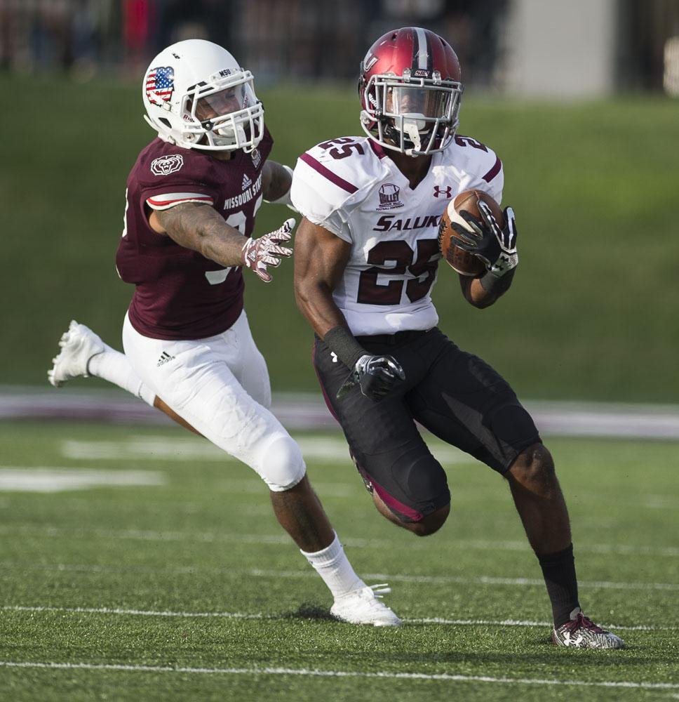 Freshman+running+back+D.J.+Davis+%2825%29+makes+a+break+past+Missouri+State+sophomore+safety+Anthony+Upchurch+during+the+Salukis%27+38-35+loss+to+the+Bears+on+Saturday%2C+Oct.+29%2C+2016%2C+in+Springfield%2C+Mo.+%28Ryan+Michalesko+%7C+%40photosbylesko%29