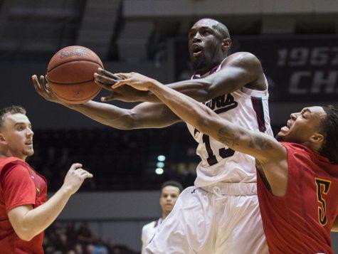 SIU men's basketball struggles in exhibition win over Missouri-St. Louis
