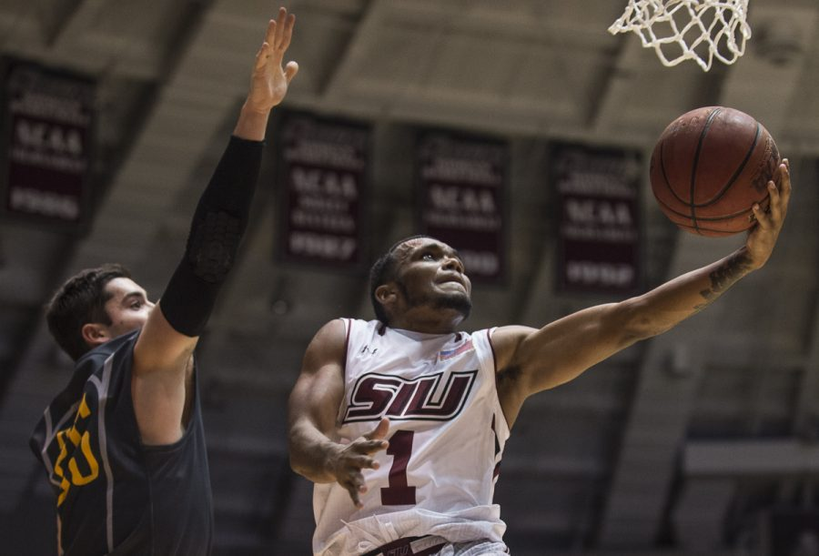 Senior+guard+Mike+Rodriguez+%281%29+goes+for+a+basket+Wednesday%2C+Nov.+16%2C+2016%2C+during+the+Salukis%27+85-64+win+over+the+Missouri+Southern+Lions+at+SIU+Arena.+%28Ryan+Michalesko+%7C+%40photosbylesko%29