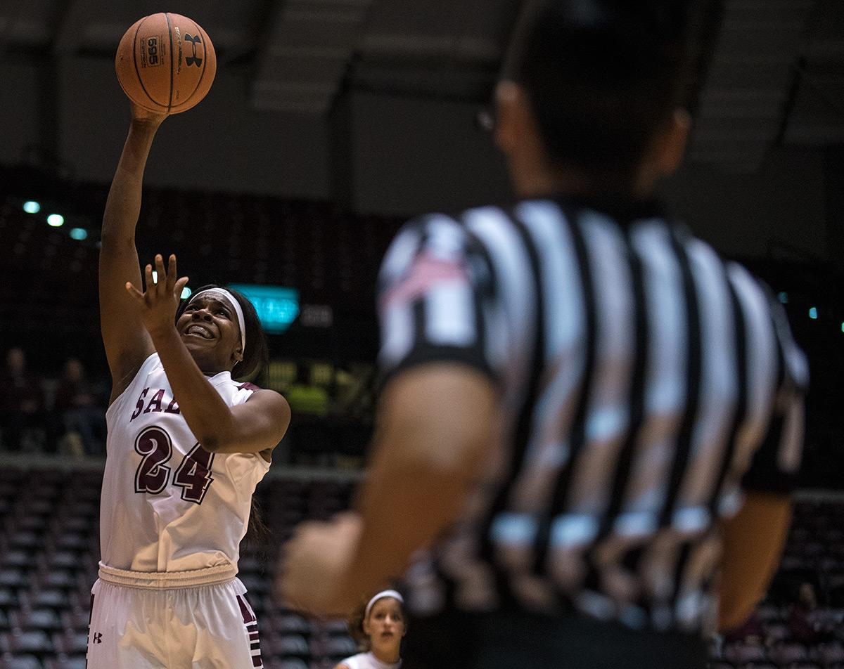 Senior forward Kim Nebo goes for a basket during the Salukis' 70-63 win against Murray State on Thursday, Nov. 17, 2016, at SIU Arena. (Jacob Wiegand | @jawiegandphoto)