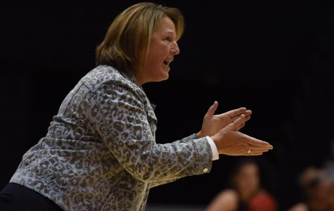 SIU women's basketball splits pair of games at UMKC tournament