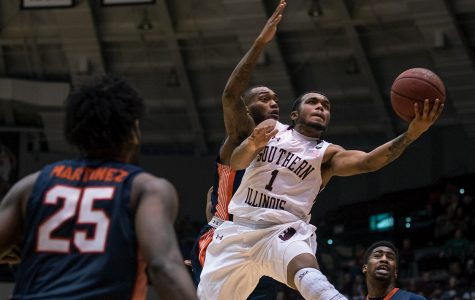 SIU men's basketball upsets Missouri State on the road