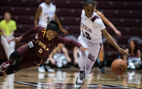 Gallery: Saluki women's basketball defeats Loyola 73-57
