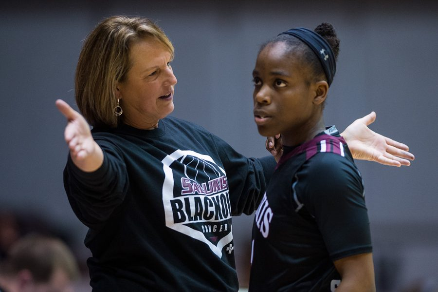 Coach+Cindy+Stein+speaks+to+senior+guard+Rishonda+Napier+during+SIU%27s+77-54+win+against+Wichita+State+on+Friday%2C+Jan.+13%2C+2017%2C+at+SIU+Arena.+Napier+scored+18+points+in+the+game.+%28Jacob+Wiegand+%7C+%40jawiegandphoto%29