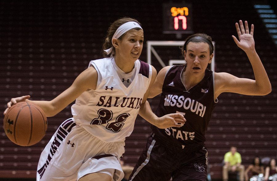Junior+guard+Kylie+Giebelhausen+takes+the+ball+toward+the+basket+while+being+guarded+by+Missouri+State+junior+guard+Liza+Fruendt+during+SIU%E2%80%99s+78-60+loss+to+the+Bears+on+Sunday%2C+Jan.+15%2C+2017%2C+at+SIU+Arena.+Giebelhausen+scored+13+points+in+the+game.+%28Jacob+Wiegand+%7C+%40jawiegandphoto%29