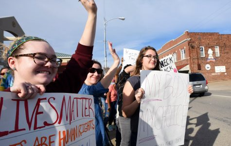 Carbondale women's march draws hundreds in a show of equality, solidarity