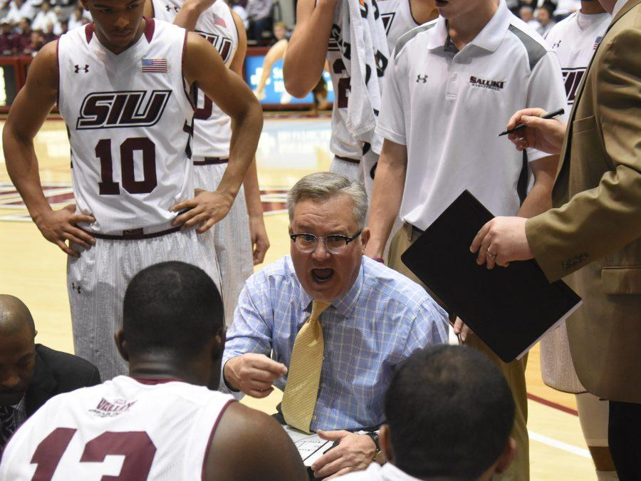Coach+Barry+Hinson+talks+to+his+players+Saturday%2C+Jan.+21%2C+2017%2C+during+SIU%27s+58-57+loss+against+the+Northern+Iowa+Panthers+at+SIU+Arena.+%28Luke+Nozicka+%7C+%40lukenozicka%29