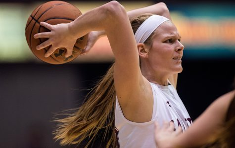 Drake pulls away late from SIU women's basketball