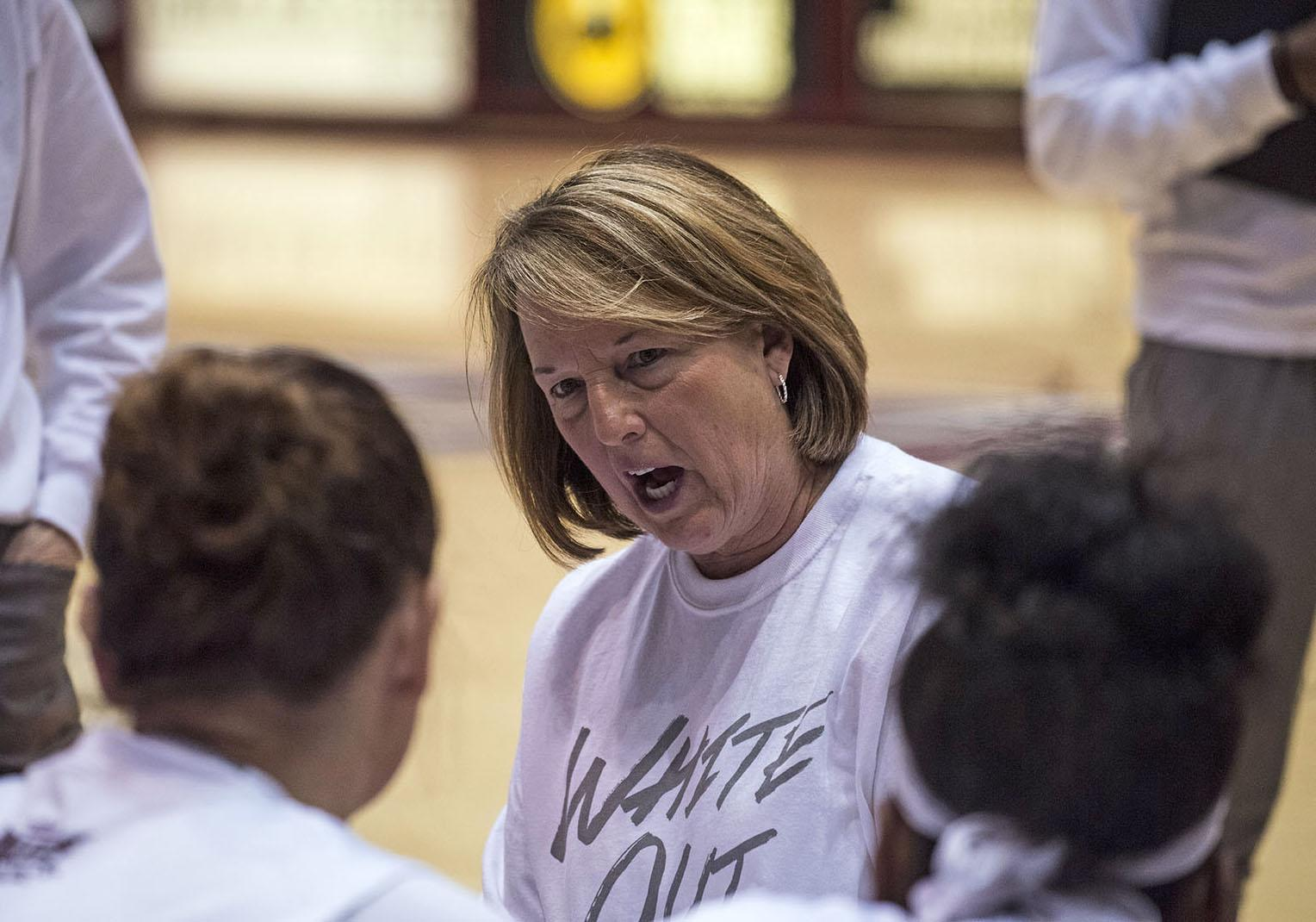 Coach Cindy Stein addresses her team at a timeout Sunday, Feb. 5, 2017, during the Salukis' 64-59 win against Northern Iowa at SIU Arena. (Athena Chrysanthou | @Chyrsant1Athena)