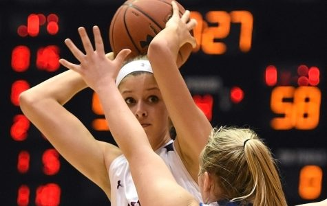 Saluki women use late push to defeat Marshall