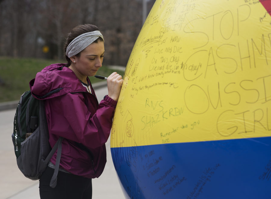 Photo of the Day: Beach balls for free speech