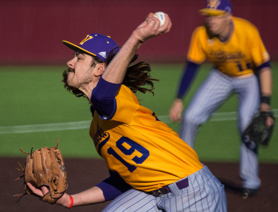 Western+Illinois+senior+pitcher+Nate+Westfahl+throws+the+ball+during+the+Salukis%E2%80%99+8-6+win+against+the+Leathernecks+on+Friday%2C+March+3%2C+2017%2C+at+Itchy+Jones+Stadium.+%28Jacob+Wiegand+%7C+%40jawiegandphoto%29%0A
