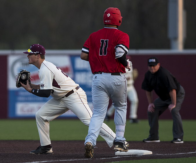 Saluki+junior+first+baseman+Logan+Blackfan+records+an+out+against+Austin+Peay+senior+first+baseman+Dre+Gleason+during+the+eighth+inning+of+SIU%27s+4-0+loss+to+the+Governors+on+Tuesday%2C+April+4%2C+2017%2C+at+Itchy+Jones+Stadium.+%28Branda+Mitchell+%7C+%40branda_mitchell%29