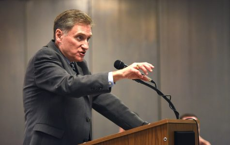 Faculty Senate passes 'vote of no confidence,' calls for removal of SIU President Randy Dunn