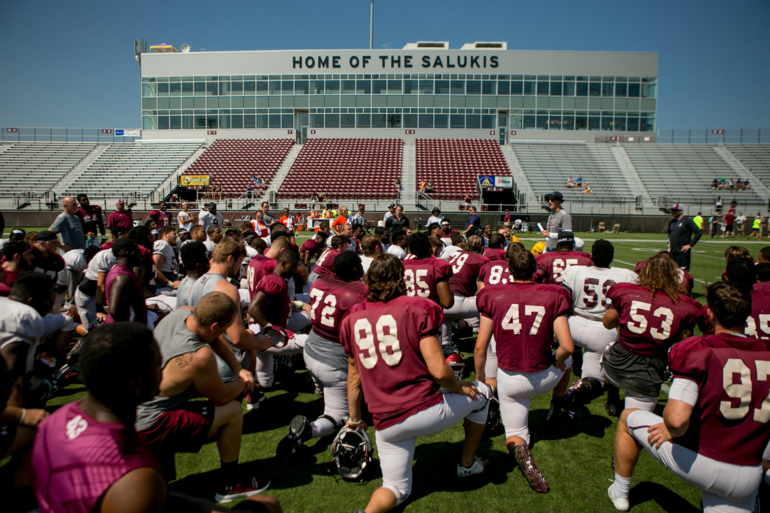 Coach+Nick+Hill+talks+to+members+of+the+Saluki+Football+team+Saturday%2C+Aug.+19%2C+2017%2C+after+the+second+scrimmage+of+the+season+at+Saluki+Stadium.+%28Brian+Mu%C3%B1oz+%7C+%40BrianMMunoz%29