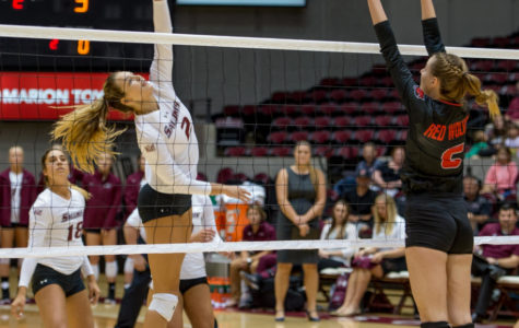 SIU volleyball swept in South Bend, finish weekend tourney 0-3