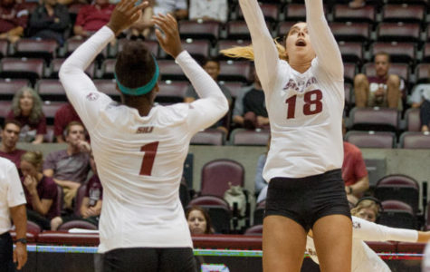 Salukis fight hard, lose to Oakland in 4 sets