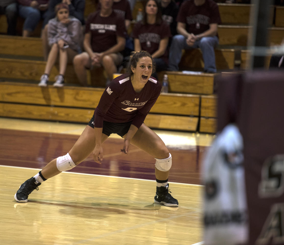 Senior+outside+hitter+Andrea+Estrada+reacts+to+a+play+Saturday%2C+Sept.+30%2C+2017%2C+during+the+Salukis%E2%80%99+4-1+loss+to+the+University+of+Indiana+Sycamores+at+Davies+Gym.+%28Mary+Newman+%7C+%40MaryNewmanDE%29