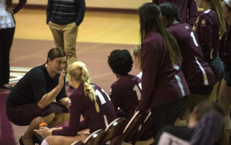 Saluki volleyball dominates Sycamores in four-set shocker