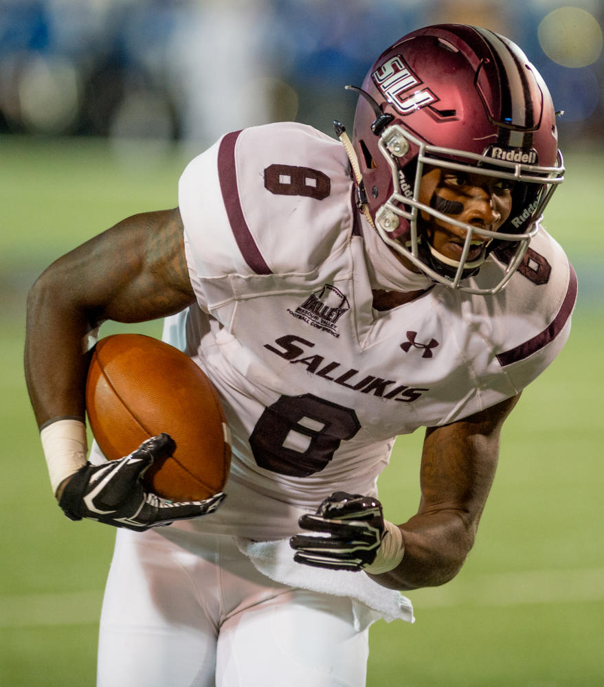 Junior+wide+receiver+Darell+James+advances+the+ball+during+the+first+half+Saturday%2C+Sept.+23%2C+2017+during+the+Saluki%27s+game+against+the+University+of+Memphis+at+the+Liberty+Bowl+Memorial+Stadium+in+Memphis%2C+Tennessee.+%28Dylan+Nelson+%7C+%40DylanNelson99%29