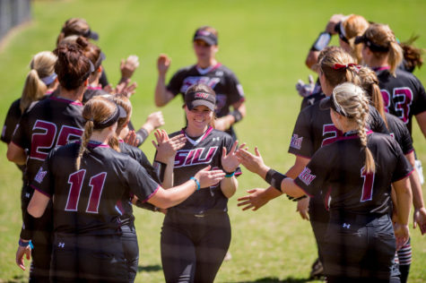 Saluki softball sweeps first doubleheader of USF Under Armour Showcase
