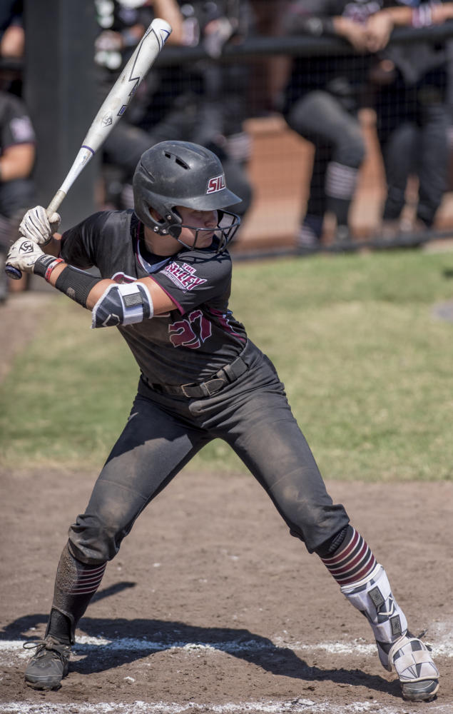 Sophomore+infield+Maddy+Vermejan+steps+up+to+bat+Sunday%2C+Sept.+10%2C+2017%2C+during+the+Salukis%27+second+game+of+the+season+against+John+A.+Logan+Vols+at+Brechtelsbauer+Field.+%28Dylan+Nelson+%7C+%40DylanNelson99%29