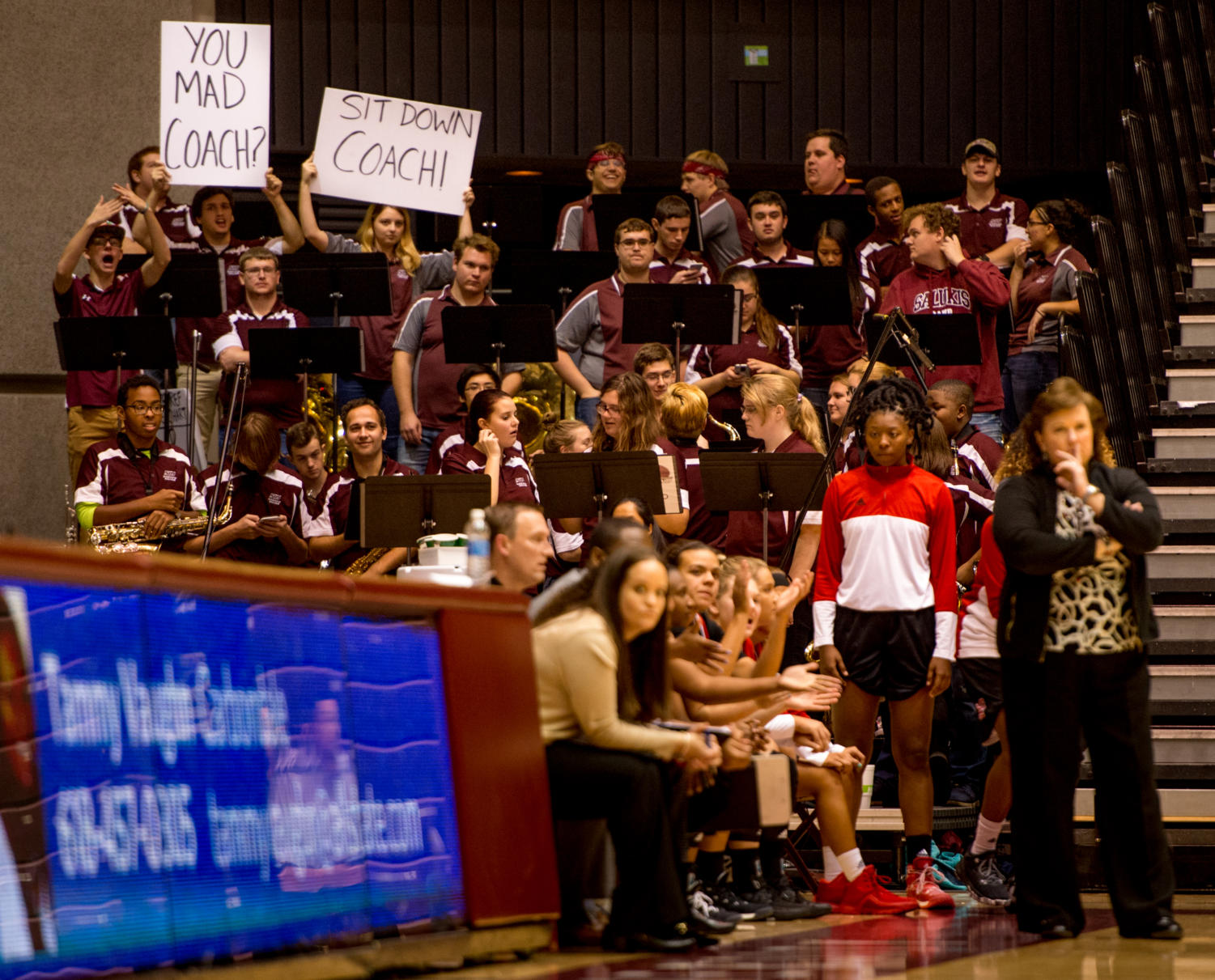 Members+of+the+volleyball+band+taunt+SIUE+women%27s+basketball+coach+Paula+Buscher+Monday%2C+Nov.+27%2C+2017%2C+during+the+Salukis%27+57-53+loss+to+the+SIU+Edwardsville+Cougars+at+SIU+Arena.+%28Brian+Mu%C3%B1oz+%7C+%40BrianMMunoz%29