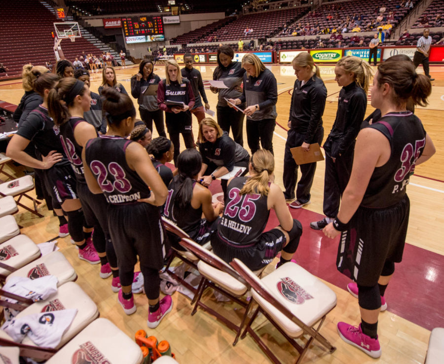 Head coach Cindy Stein speaks to members of the team during a time-out Friday, Jan. 26, 2018, during the Salukis' 71-69 win over the Missouri State University Bears at SIU Arena. (Brian Munoz | @BrianMMunoz)
