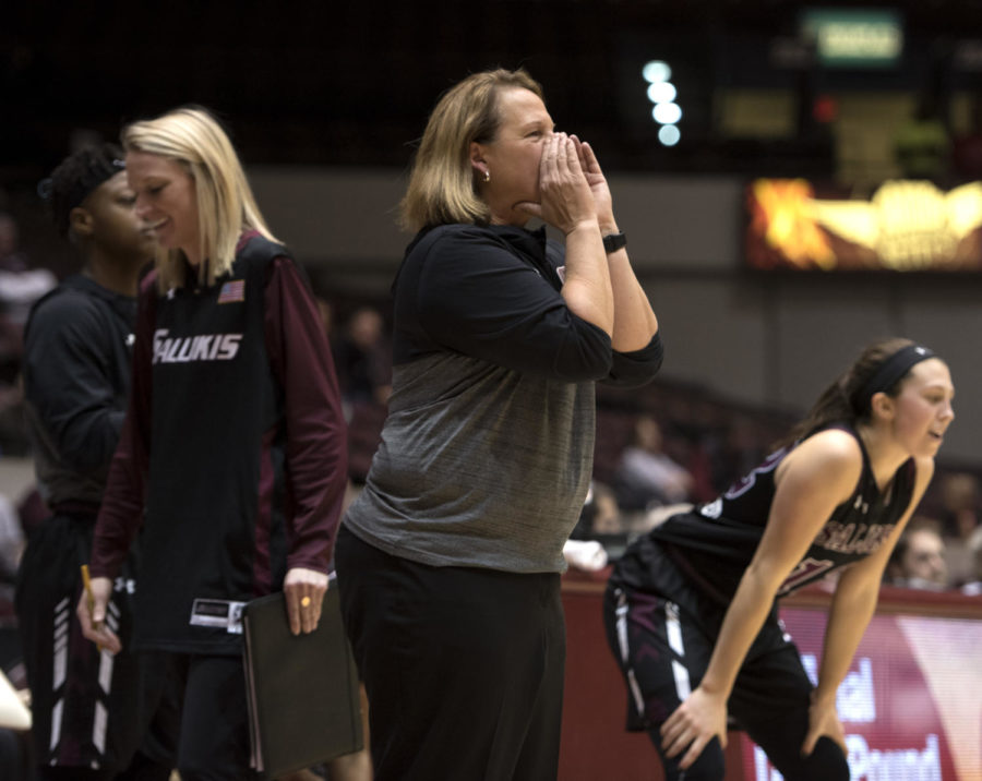 Head coach Cindy Stein calls out to her players during overtime Friday, Jan. 26, 2018, during the Salukis' 71-69 win over the Missouri State University Bears at SIU Arena. (Reagan Gavin   @RGavin_DE)