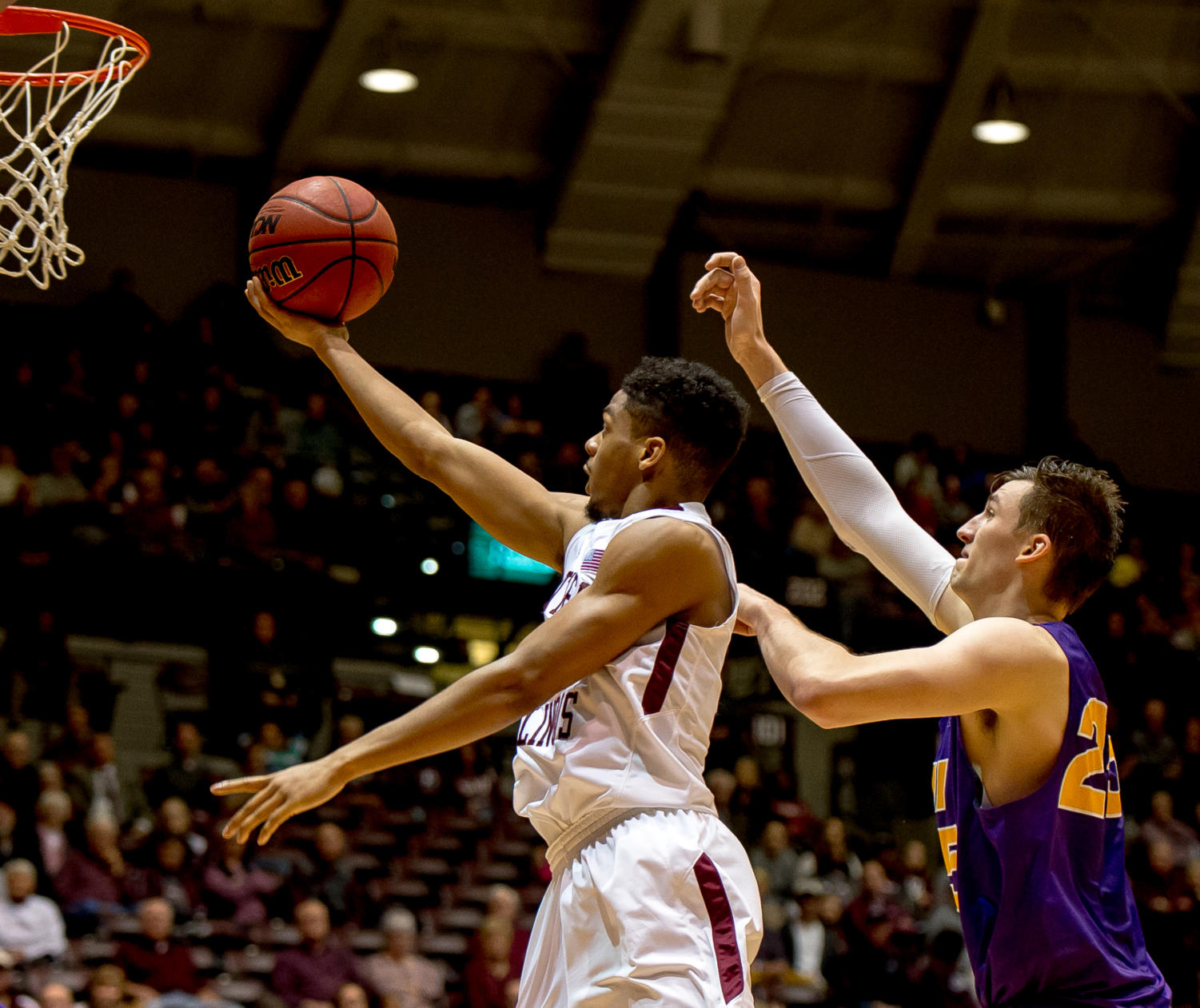 Sophomore+guard+Aaron+Cook+goes+for+a+basket+Sunday%2C+Jan.+21%2C+2018%2C+during+the+Salukis%27+64-53+victory+over+the+University+of+Northern+Iowa+Panthers+at+SIU+Arena.+%28Brian+Munoz+%7C+%40BrianMMunoz%29