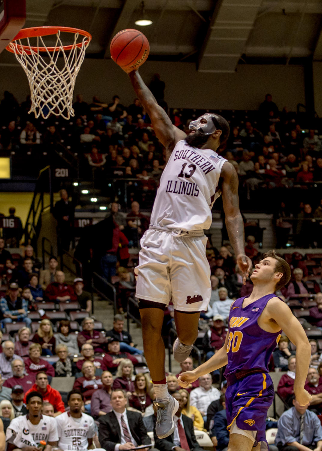 Junior+guard+Sean+Lloyd+Jr.+goes+for+a+basket+Sunday%2C+Jan.+21%2C+2018%2C+during+the+Salukis%27+64-53+victory+over+the+University+of+Northern+Iowa+Panthers+at+SIU+Arena.+%28Brian+Munoz+%7C+%40BrianMMunoz%29