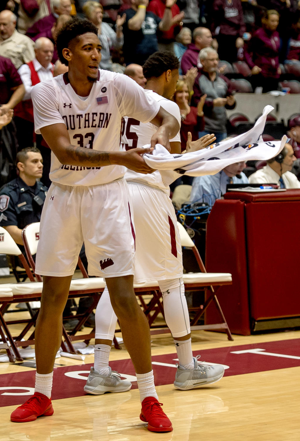 Junior+center+Kavion+Pippen+celebrates+at+the+buzzer+Sunday%2C+Jan.+21%2C+2018%2C+during+the+Salukis%27+64-53+victory+over+the+University+of+Northern+Iowa+Panthers+at+SIU+Arena.+%28Brian+Munoz+%7C+%40BrianMMunoz%29