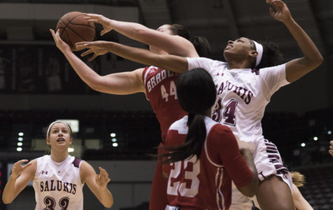 Saluki women's basketball holds on for win against the Braves