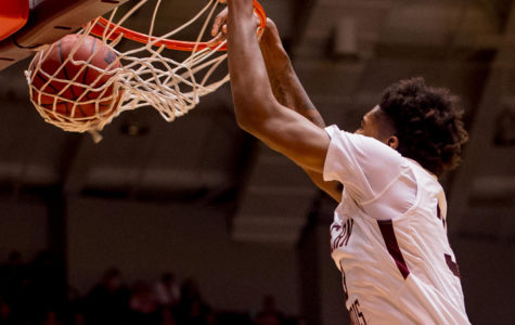 SIU falls to University of Kentucky in basketball season opener