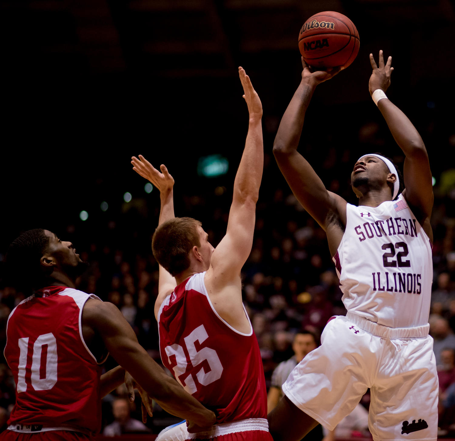 Junior guard Armon Fletcher goes for a basket Sunday, Feb. 11, 2018, during the Salukis' 74-57 win against the Bradley Braves at SIU Arena. The Salukis are now the lone second place team in the Missouri Valley Conference. (Brian Munoz | @BrianMMunoz)