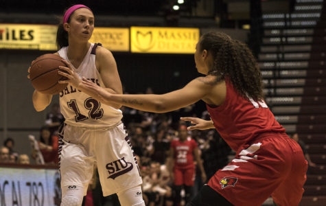 Salukis suffer third straight loss to Redbirds in Pink Out game