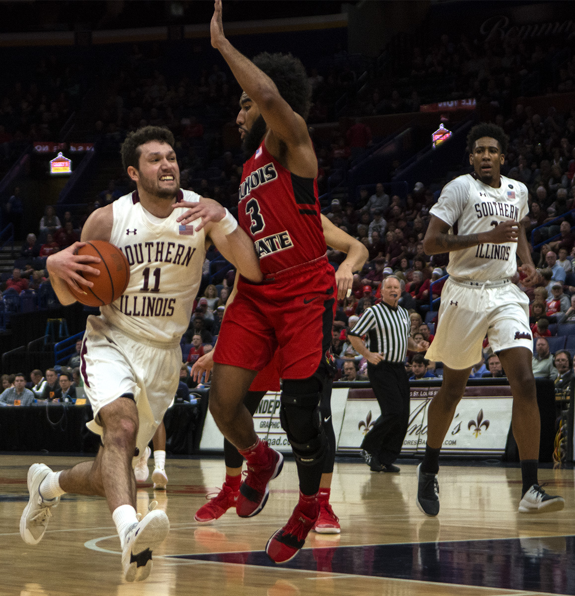 Senior+guard+Tyler+Smithpeters+keeps+the+ball+from+Illinois+State+junior+guard+Keyshawn+Evans+Saturday+March+3%2C+2018+during+the+Salukis%E2%80%99+76-68+loss+against+the+Illinois+State+Redbirds+at+the+Missouri+Valley+Conference+%22Arch+Madness%22+tournament+in+St.+Louis.++%28Reagan+Gavin+%7C+%40RGavin_DE%29