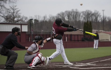 Saluki baseball wins third straight