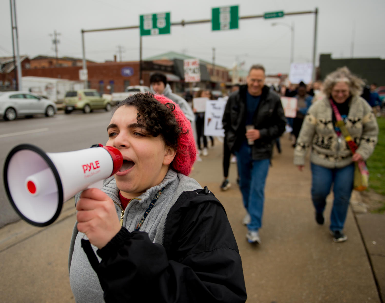 Alexis+Jones%2C+a+Carbondale+Community+High+School+student+and+event+organizer%2C+chants+while+marching+down+the+strip+Saturday%2C+March+24%2C+2018%2C+during+the+%22March+for+Our+Lives%22+demonstration+in+Carbondale.++%28Brian+Munoz+%7C+%40BrianMMunoz%29
