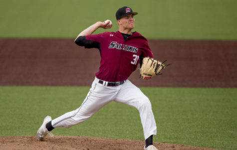 Saluki baseball sweeps Illinois State in doubleheader