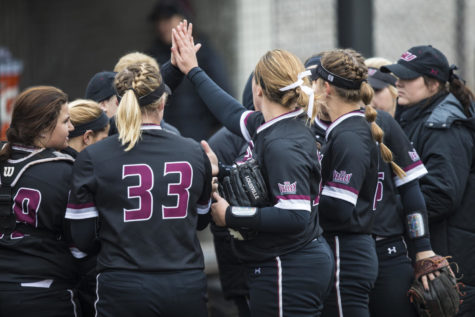 SIU softball sweeps Bradley in MVC-opening doubleheader