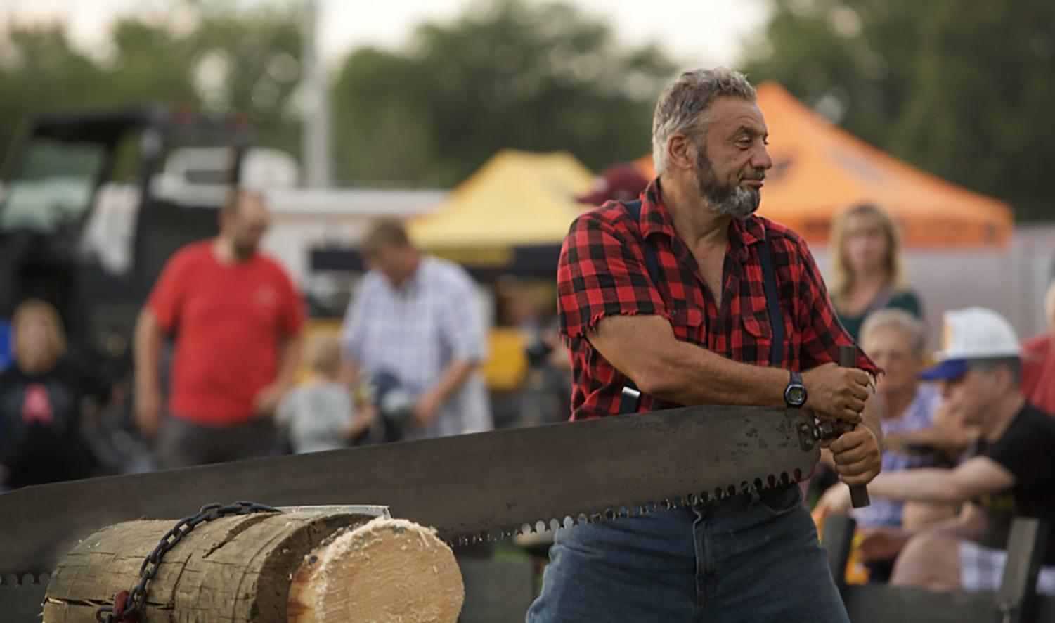 Fred+Satkily+saws+a+piece+of+wood+in+a+lumberjack+show%2C+Friday%2C+Aug.+31%2C+2018%2C+at+the+Du+Quoin+State+Fair.+%28Joey+Sears+%7C+%40Joey_Sears10%29