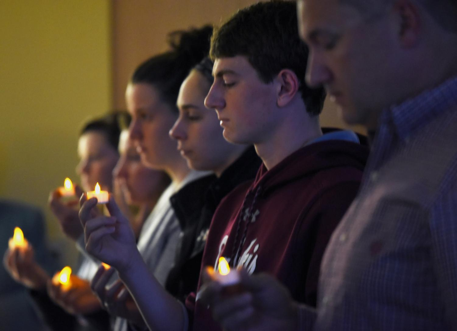 Chris+Cole%2C+a+senior+studying+advertising%2C+holds+a+candle%2C+Friday%2C+Oct.+12%2C+2018%2C+during+a+vigil+honoring+Chancellor+Carlo+Montemagno+at+the+Student+Services+Building.+%28Reagan+Gavin+%7C+%40RGavin_DE%29
