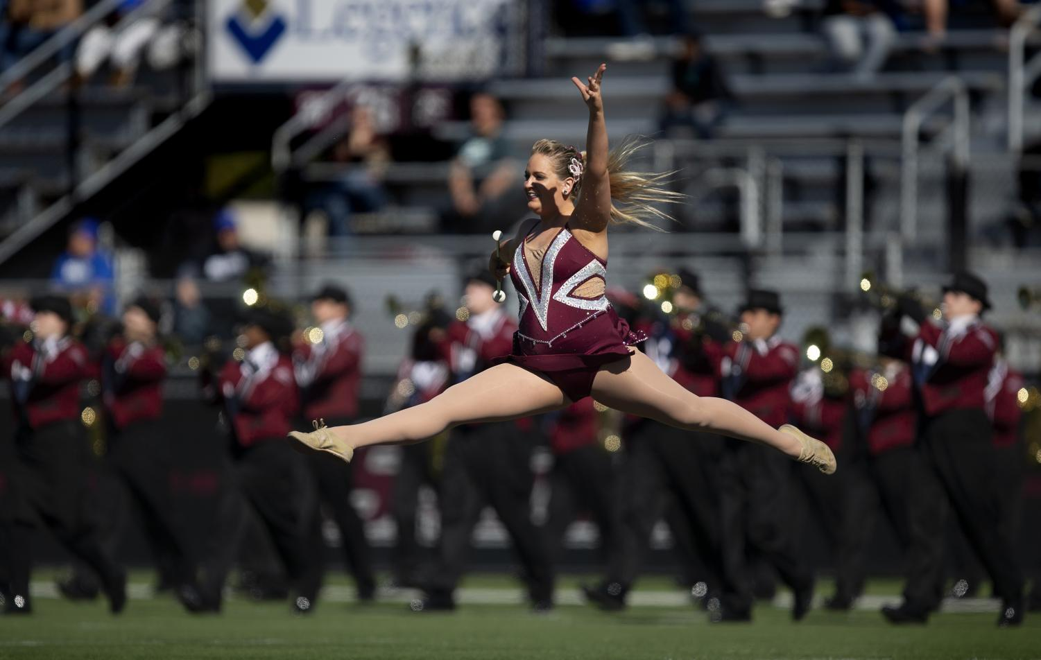 Jazmin+Randazzo%2C+a+junior+studying+biological+sciences%2C+leaps+during+halftime+of+the+Salukis%27+24-21+loss+against+the+Indiana+State+Sycamores+at+Saluki+Stadium%2C+Saturday%2C+Oct.+20%2C+2018.+%28Isabel+Miller+%7C+%40IsabelMillerDE%29